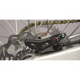 Protection étrier arrière SCAR carbone Kawasaki