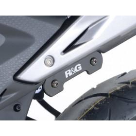 Caches orifices repose-pieds arrière R&G RACING noir Honda CB500F / CBR300/500R
